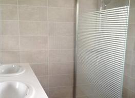 Rénovation d'une salle de bains à Olonne sur Mer par RENOV ENERGY