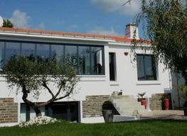 Rénovation d'une maison à Saint Jean de Mont par RENOVENERGY
