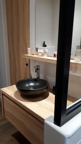 Réalisation d'une rénovation de salle de bains à La Roche sur Yon par RENOVENERGY